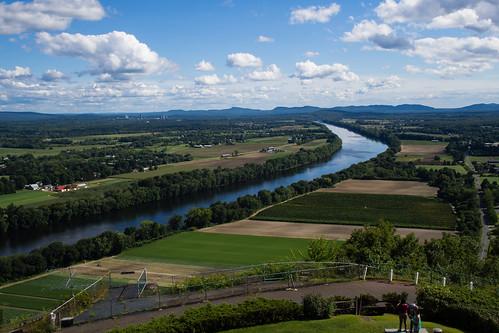 sky mountains clouds fence river us unitedstates massachusetts farms deerfield 17mm em5