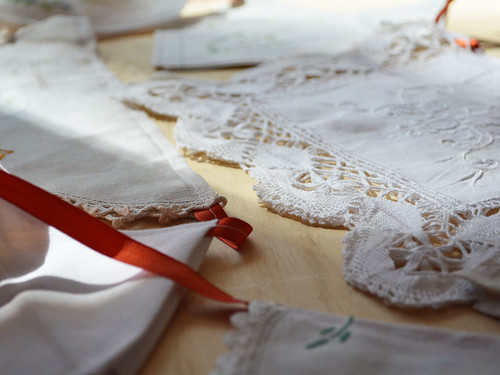 Bunting_Vintage_Doilies (6)