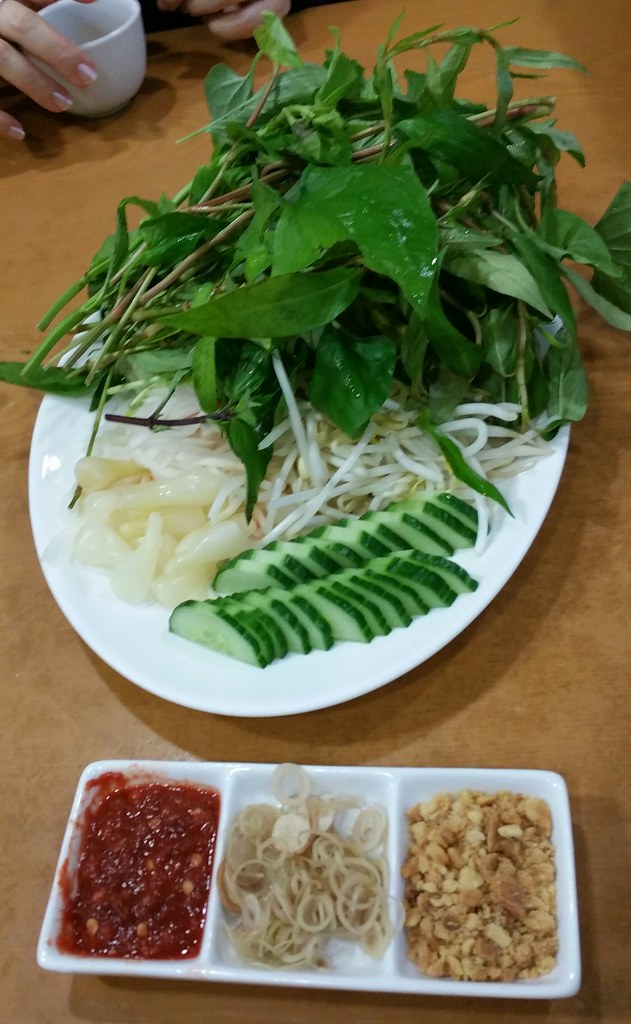 2016-Mar-3 Song Huong - Beef 7 Ways - veggies and condiments for spring rolls