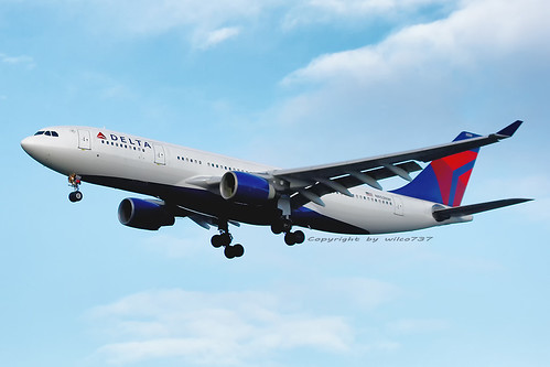 Delta Air Lines Airbus 330-200 approaching SEA