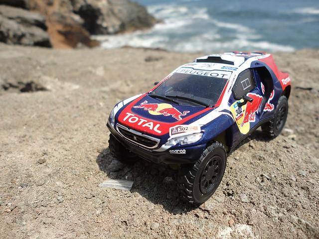Peugeot 2008 DKR (2015) 1/43 (PCT-IXO)