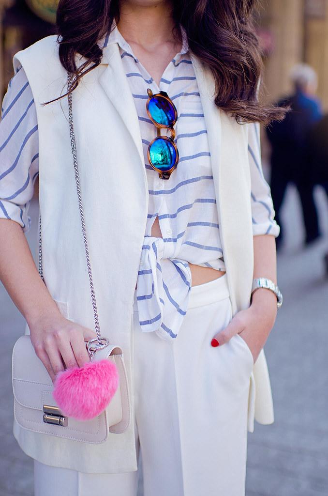 Cómo combinar un pantalón cropped blanco en tu look de primavera
