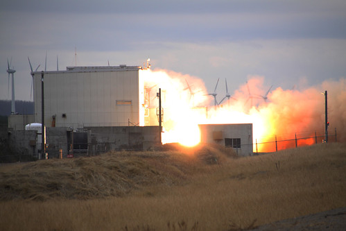 強化型イプシロン用2段モータ(M-35)真空地上燃焼試験