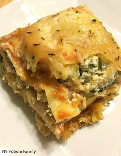 Spinach Feta Crockpot Lasagna