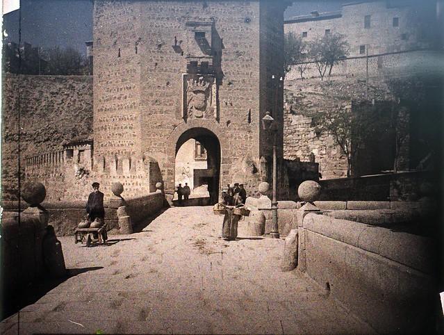 Autocromo del Puente de Alcántara hacia 1910. Fotografía de Francisco Rodríguez Avial © Herederos de Francisco Rodríguez Avial