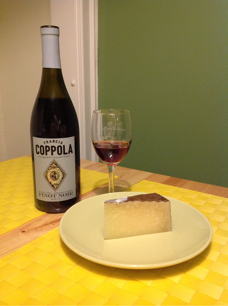 Pinot-Vember, Pinot Noir and Manchego 1
