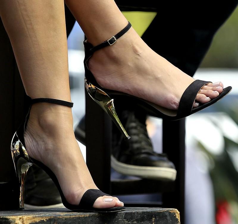 Feet & Shoes (3036)