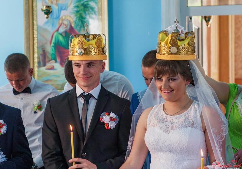 "Foto&Video pentru Nunta Ta. Fotografie Artistica de Nunta si FHD Video de la ""Sipoiannu"" Studio. Şedinţa foto ""Love Story"" cadou !!! > Foto din galeria `Wedding Album "" Pregatiri si Cununie""`"
