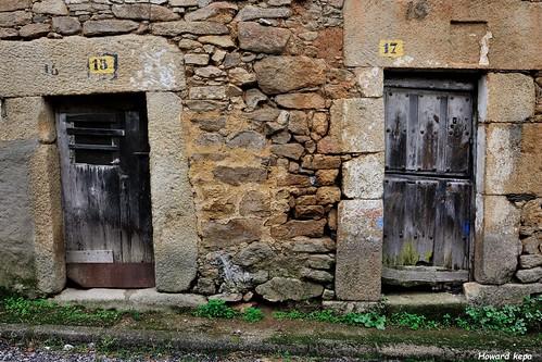 Puertas 15 y 17.