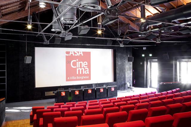 Sala deluxe casa del cinema for Lino sonego poltrone