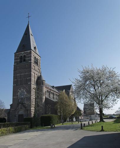 Kozen, Sint-Laurentiuskerk.