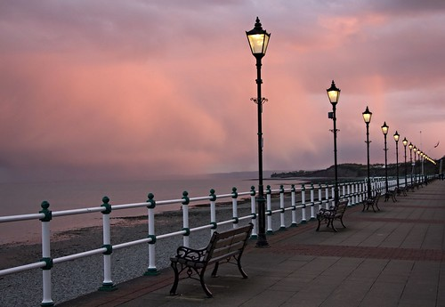 sunset streetlights beach seaside wales april flickr photo sky clouds bench promenade penarth valeofglamorgan beautiful outside outdoors weather evening railings colour color geotagged light water street striking canon camera eos 550d lapuestadelsol lecoucherdusoleil tramonto 日落 rìluò wēiěrshì 威尔士 paysdegalles météo explore inexplore photography pretty view shore picture image freetouse creativecommons attributionlicence attributionlicense stock jeremysegrott dailygad uk unitedkingdom britain greatbritain bristolchannel atmospheric 10000views paísdegales segrott jeremy walesuk caerdydd caerdyddwales photograph schöne belle hermosa googlesearch