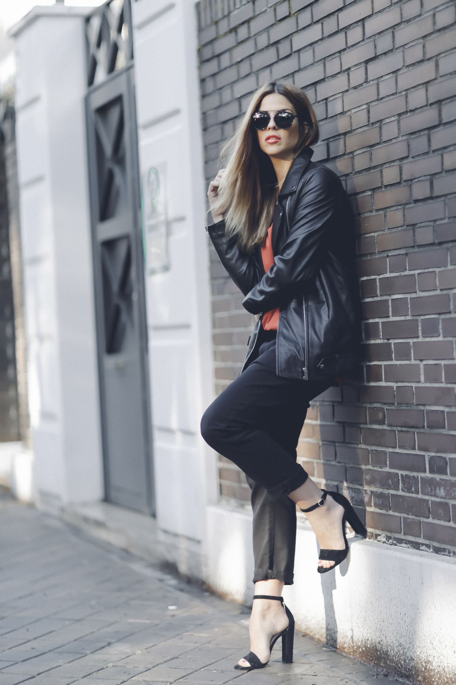 sandalias sandals mbym outfit look primavera spring camiseta zara steve madden Dior gafas de sol sunglasses street style trendy taste_6