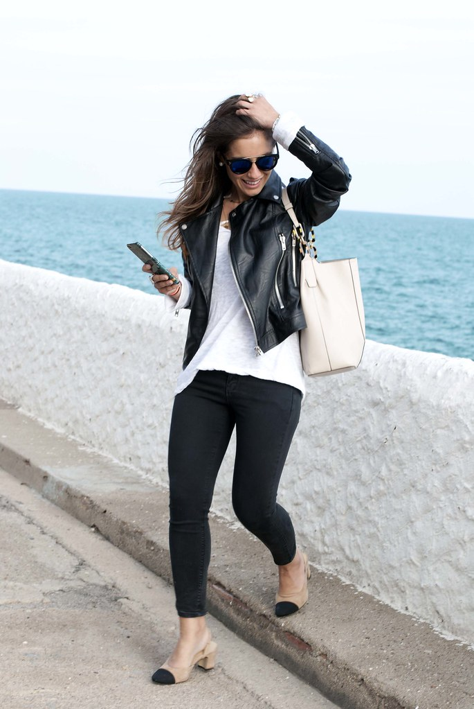 09_chanel_slingback_outfit_biker_theguestgirl