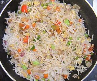 Egg chicken pulao - Add tomato sause