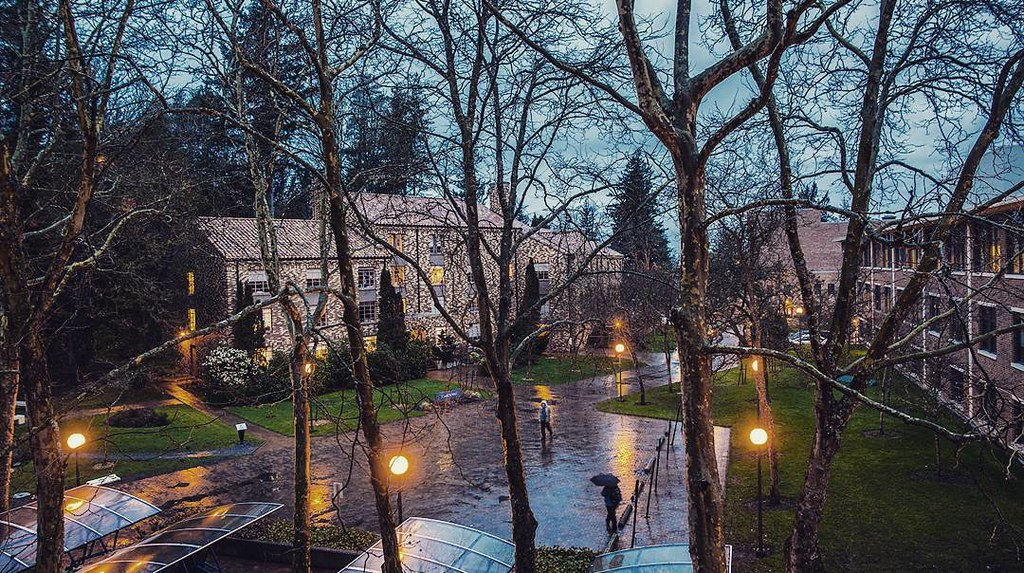 It's a beautifully rainy day on campus. What's on your to-do list today?     #WWU #winteratwestern #bellinghome #upperleftusa #bellinghamwa