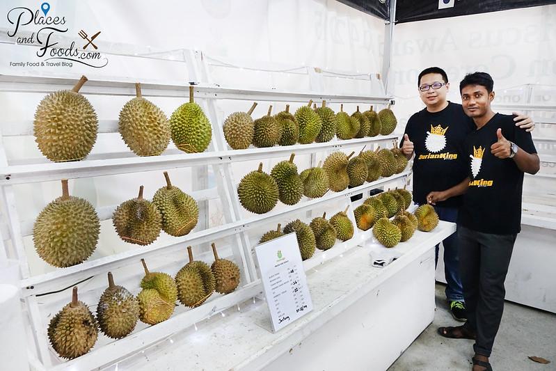 durian king ttdi bukit bintang owner selfie