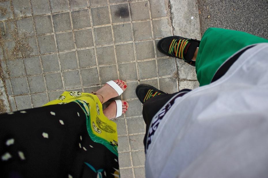 lara-vazquez-madlula-style-streetstyle-feet-his&hers