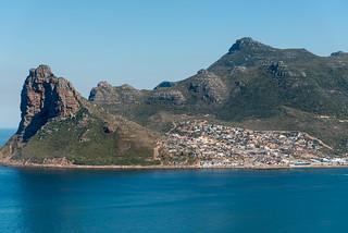 Blick vom Chapman's Peak Drive auf Karbonkelberg, Sentinel, Hout Bay Bucht