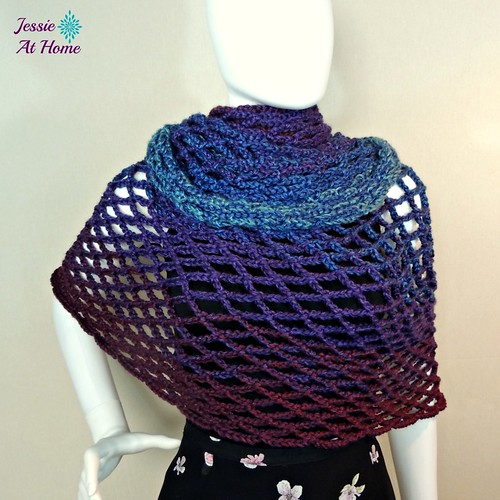 Netties-Super-Simple-Tube-Wrap-free-crochet-pattern-by-Jessie-At-Home-1