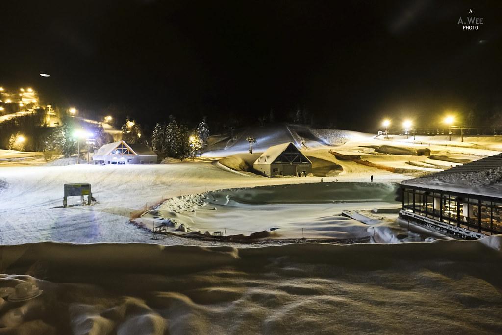 Night skiing view
