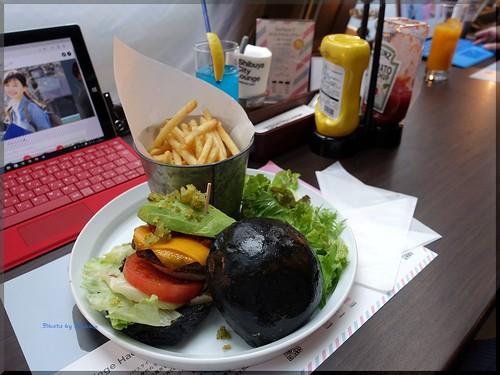 Photo:2016-04-05_ハンバーガーログブック_期間限定Surfaceバーガーを!【渋谷】シティラウンジ_04 By:logtaka
