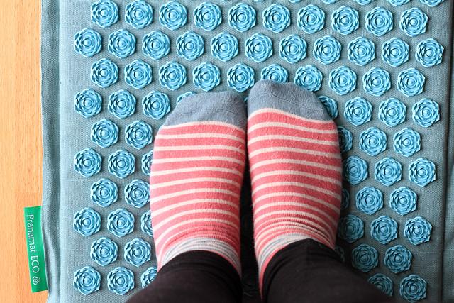 feet-on-pranamat