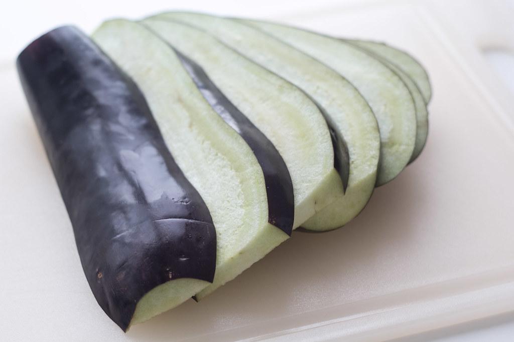 Grillet aubergine med smeltet ost og tomatsalsa (2)