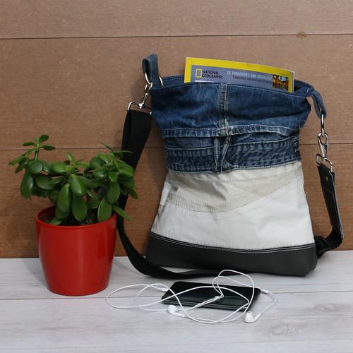 handgemaakte tas van hergebruikt leer en zeil