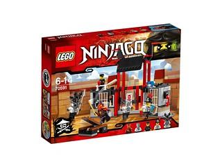 LEGO Ninjago 70591 Kryptarium Prison Breakout box