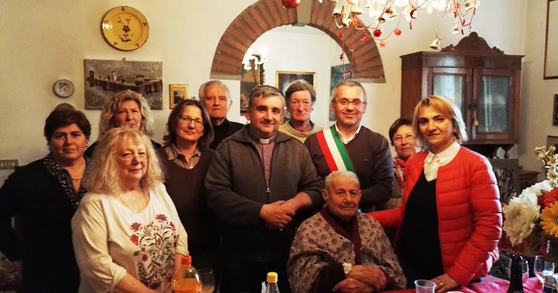 Guerrino (Albano) Stanghellini compie 100 anni. Gli auguri della comunità castellana