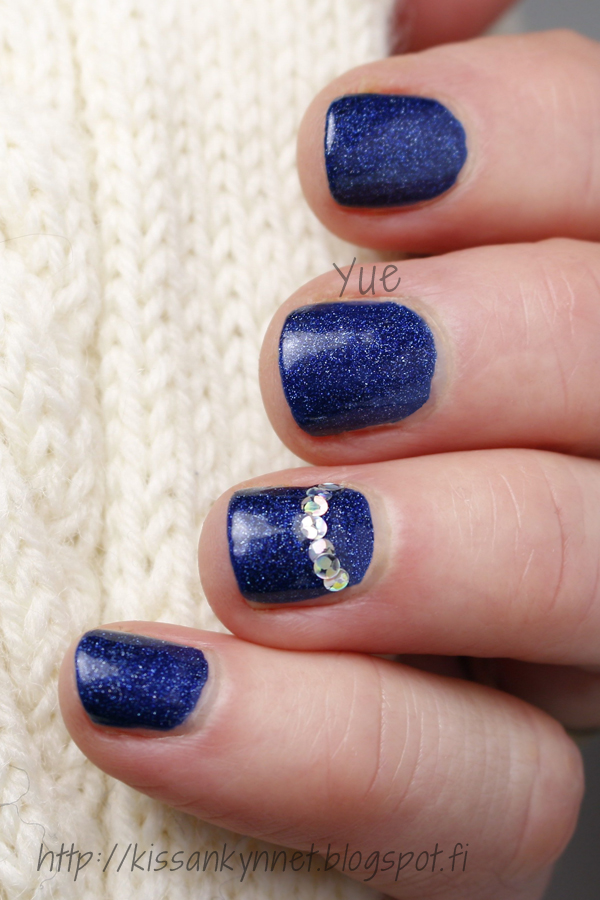 christmas_nail_polish_blue