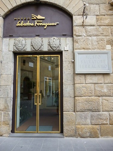 entrance ferragamo museum