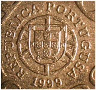 1999 Portugal 1000-escudo coin closeup