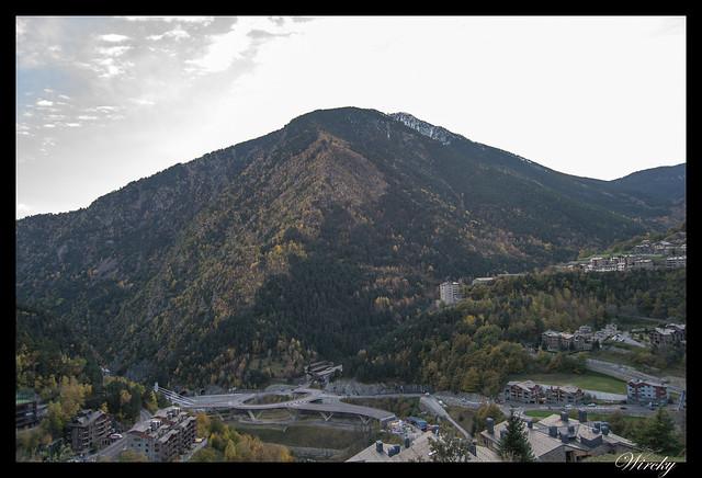 Valle de Escaldes-Engordany desde Iglesia de Sant Cristòfol de Anyós