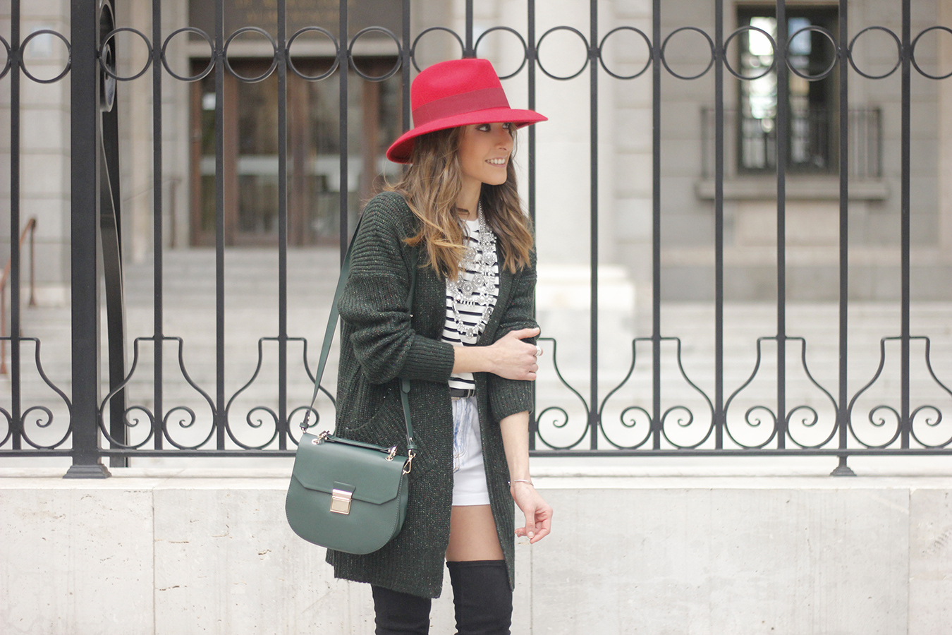 Green Cardigan sheinside denim shorts over the knee boots red hat uterqüe15
