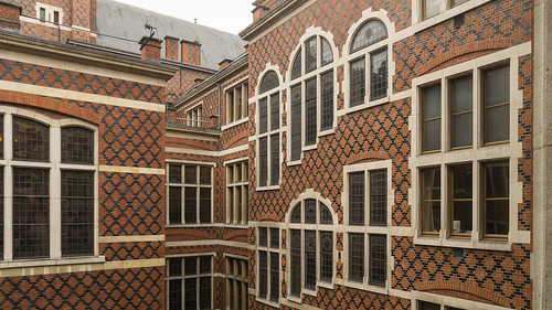 townhall-bricks-and-windows