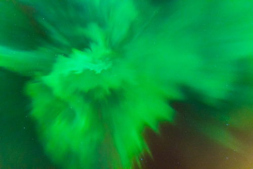 Aurora Borealis Exploding Over Me!