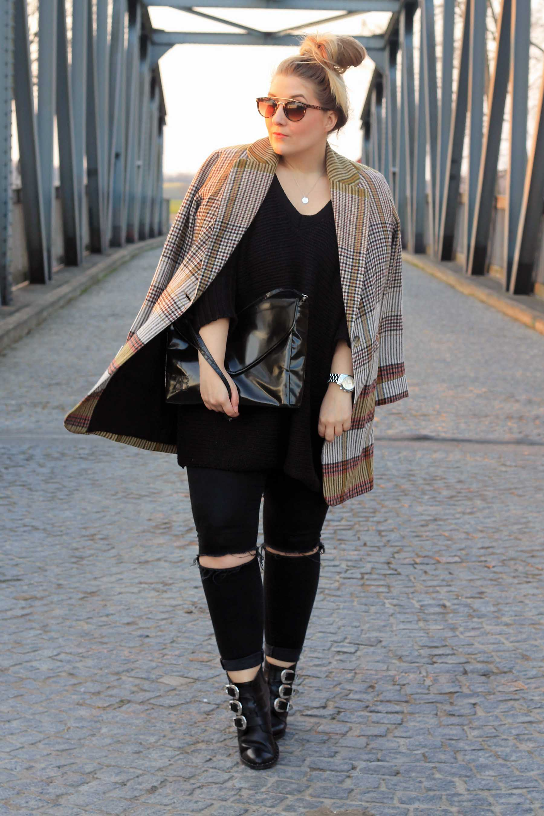 1-outfit-modeblog-fashionblog-stiefeletten-asos-karierter-mantel-berln