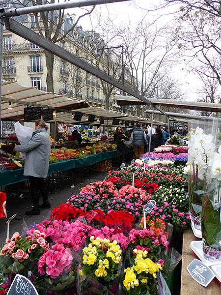 fleurs au marché d'iéna