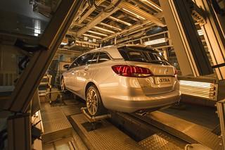 Opel Astra Sports Tourer in der Klimakammer