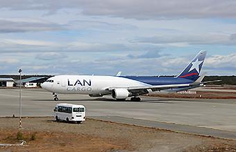 LAN Cargo B767-300F en PUQ (LAN Cargo)