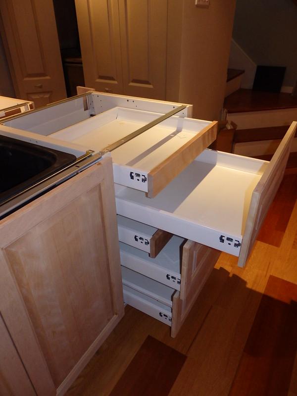 probleme tiroir maximera tiroir de cuisine un tiroir a la verticale pour les ustensiles de. Black Bedroom Furniture Sets. Home Design Ideas