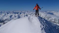 Widok ze szczytu Wiesskugel 3739m . To ja.