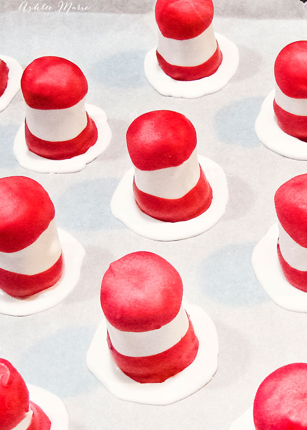 you can serve these cat in the hat cake pops as is or add them to sticks
