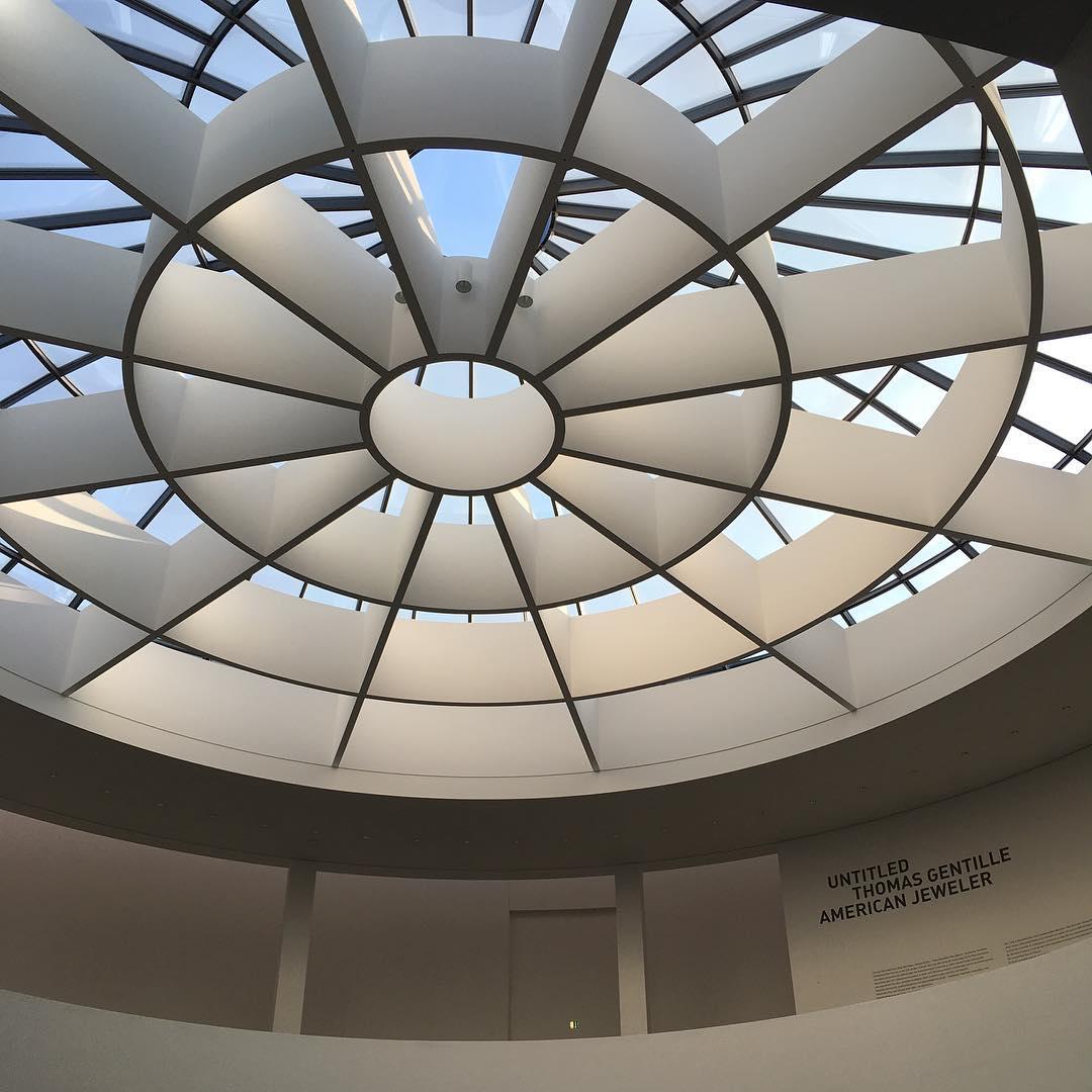 Cool building and a great collection of modern art & design // Мы с @trabla сегодня так прекрасно окультурились! Много лет здесь не была, а между тем тут даже интересней, чем мне помнилось