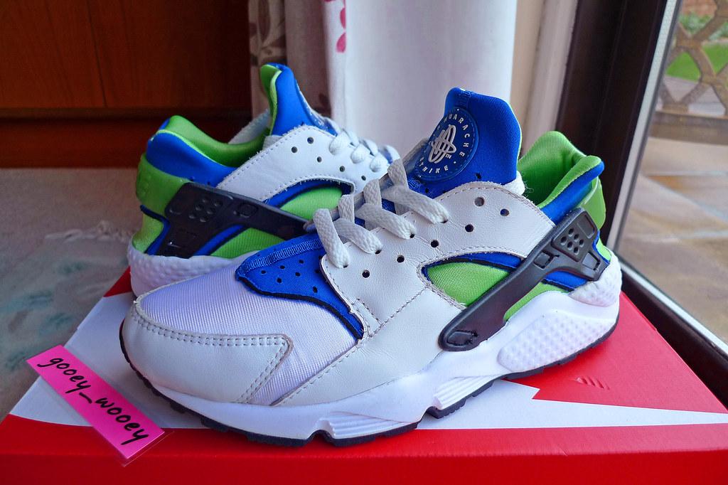 online retailer d2cd7 3b470 ... Nike Wmns Air Huarache LE  White   Royal Blue - Scream Green  (698005