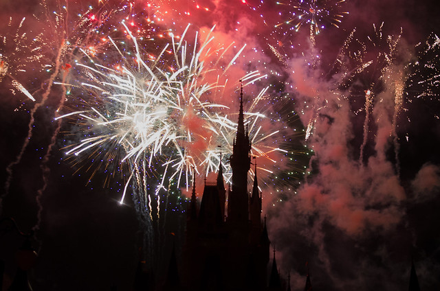 20160415-Disney-Vacation-Magic-Kingdom-Day-1-Fireworks-0056