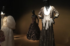 De Young Museum - Oscar de la Renta evening wear
