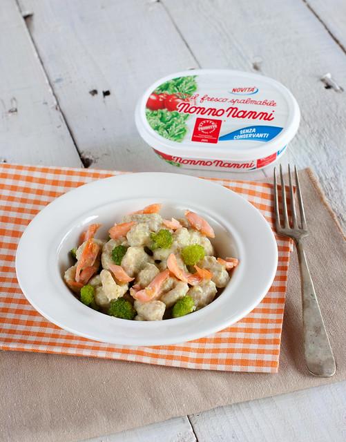 Gnocchetti integrali su crema di broccoli e  Nonno Nanni e salmone